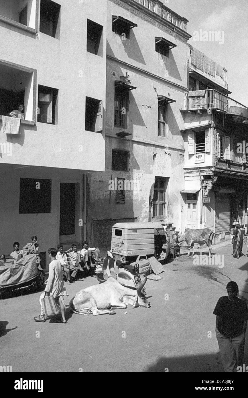 PAR102710 View of street of Jahanpanah ni pol Old city Ahmedabad Gujarat India Asia - Stock Image