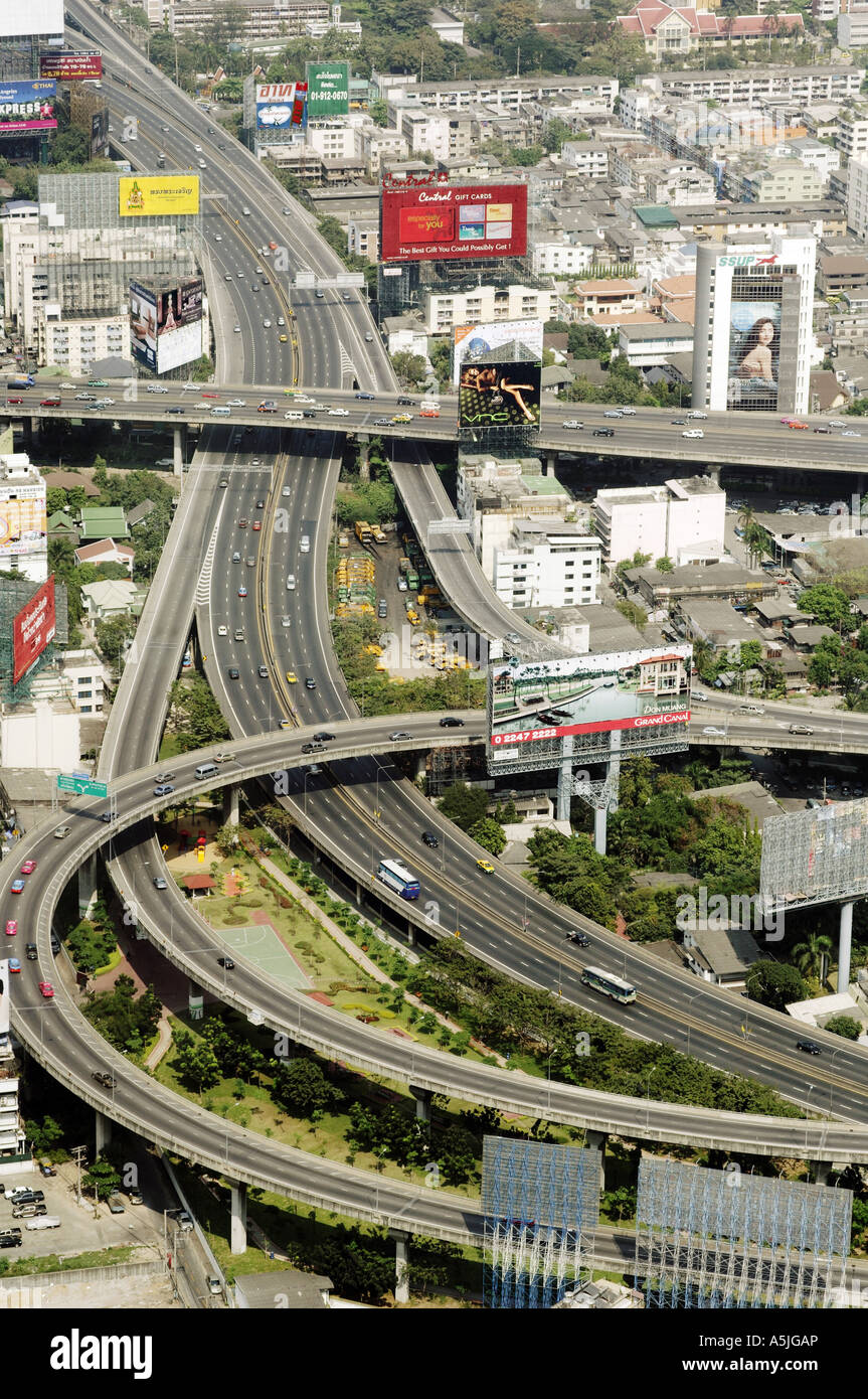 HMA102752 Aerial view of city with roads and flyovers Bangkok Thailand South East Asia - Stock Image