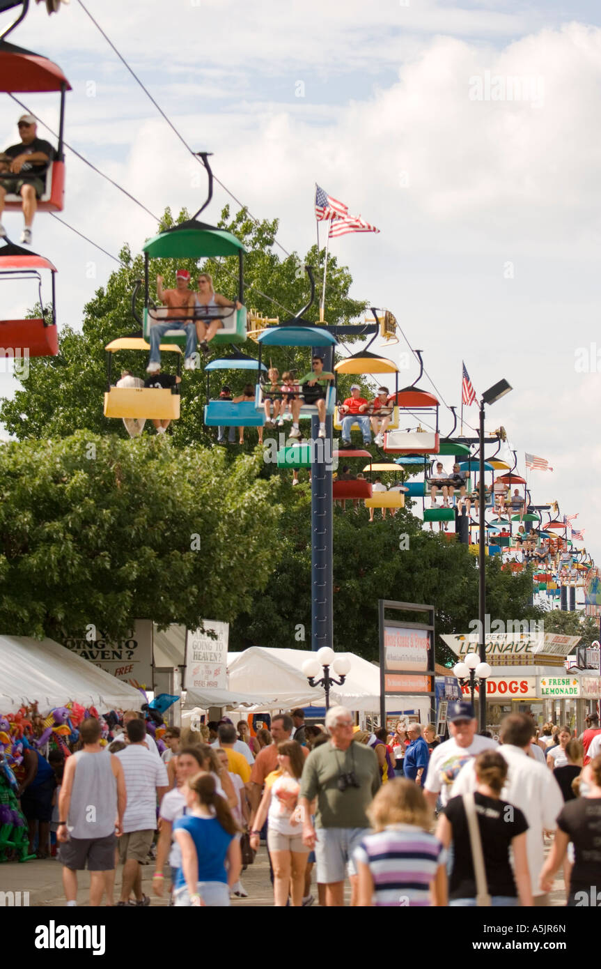 Crowds and rides at the Illinois State Fair Springfield Illinois - Stock Image