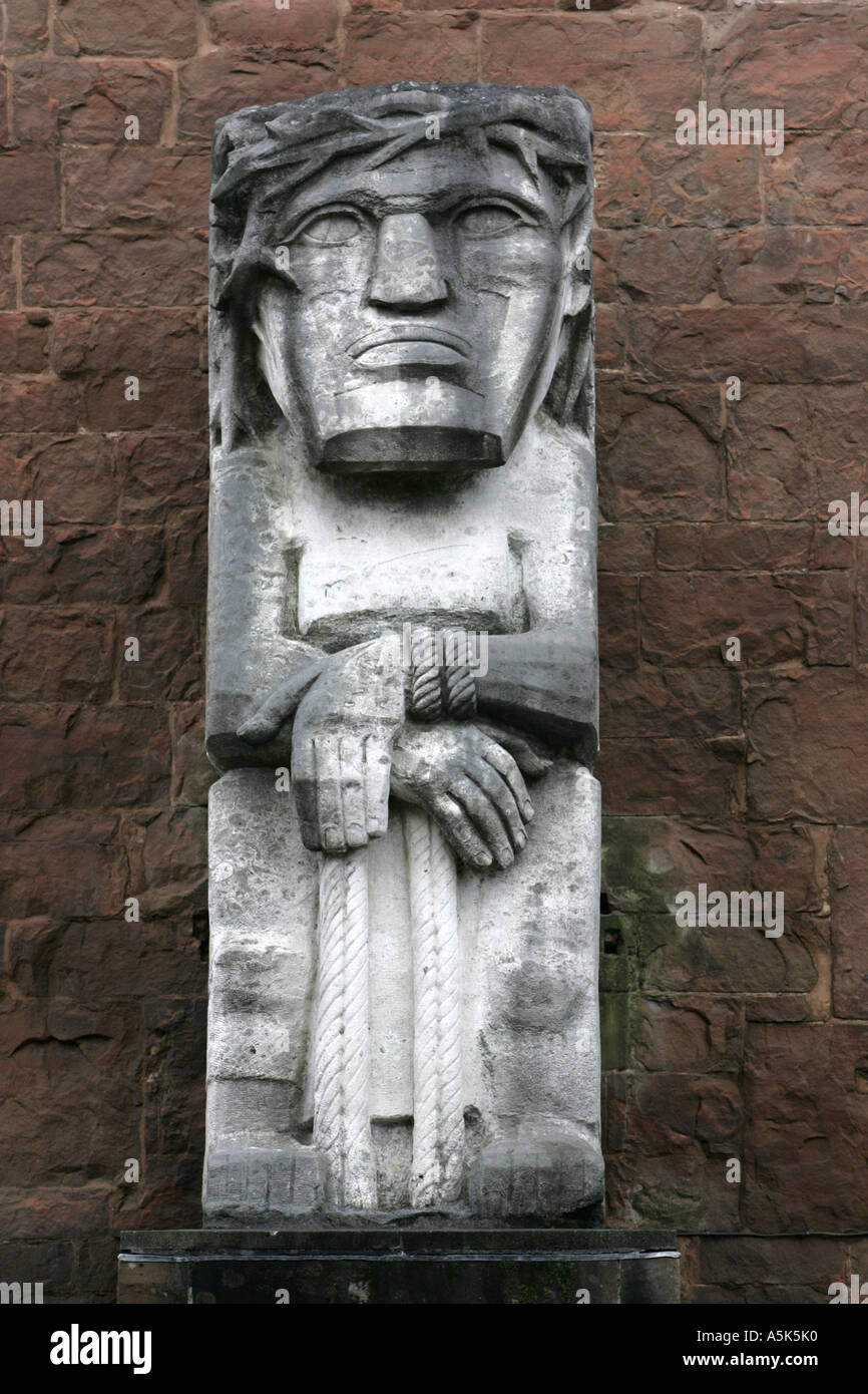 Ecce Homo, statue in Coventry Cathedral, by Sir Jacob Epstein, representing Christ before Pilate with his hands bound - Stock Image