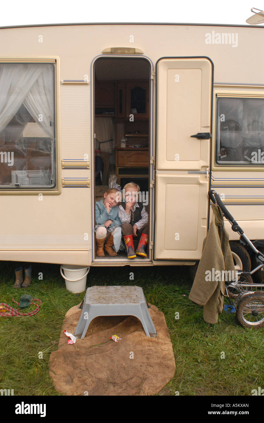Travellers children, Stow horse fair, Stow On The Wold, Gloucestershire, UK Stock Photo
