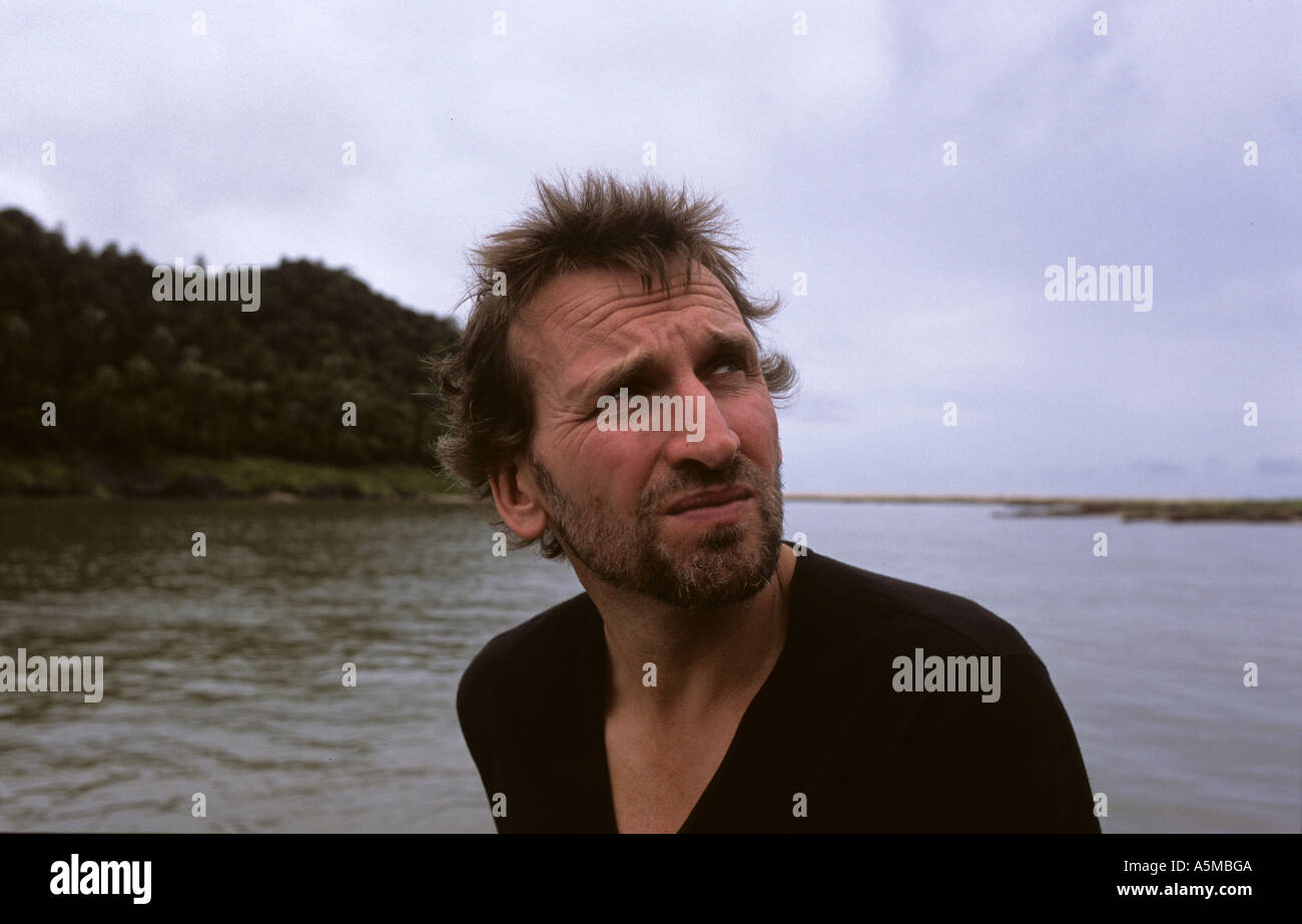 Christopher Ecclestone with British Red Cross in Aceh Indonesia Dec05 - Stock Image