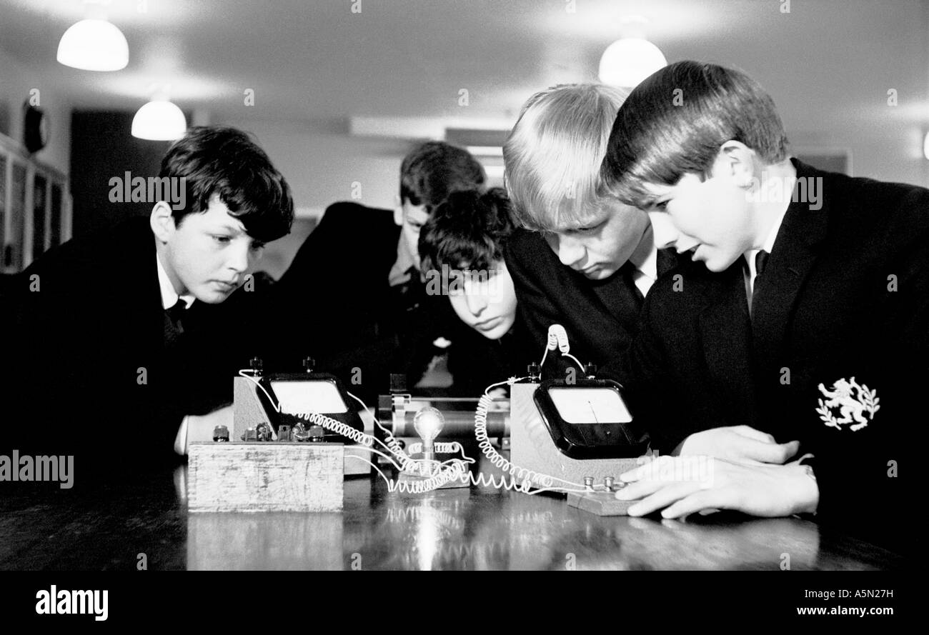 Physics class in secondary school in 1967, London Uk. - Stock Image
