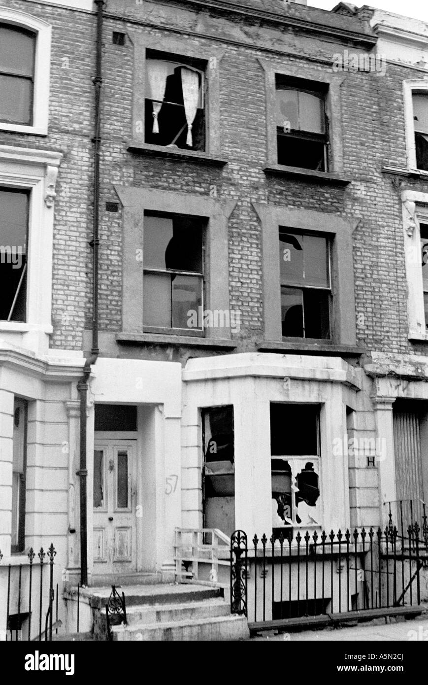 Dilapidated house in Notting Hill Gate, London, 1975. - Stock Image