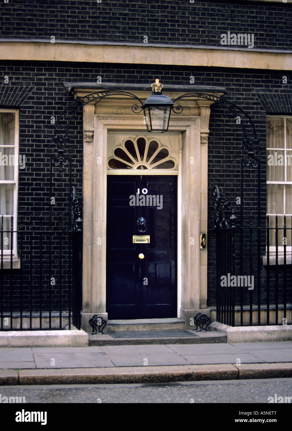 The famous black door of number ten Downing StreetLondon. UK. British Prime Ministeru0027s residence and office.Photo Terry Fincher & The famous black door of number ten Downing StreetLondon. UK Stock ...