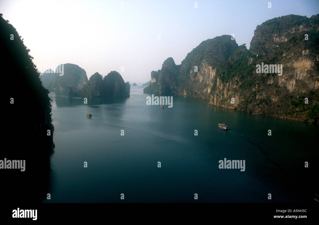 HALONG BAY VIETNAM - Stock Image