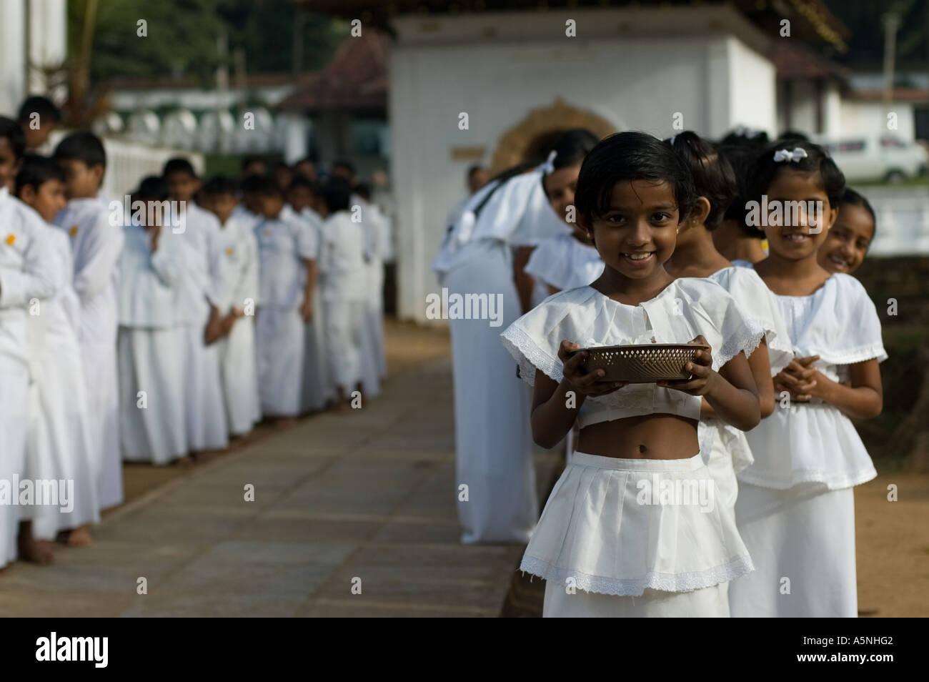 School Girls Kandy Sri Lanka Stock Photos & School Girls Kandy Sri