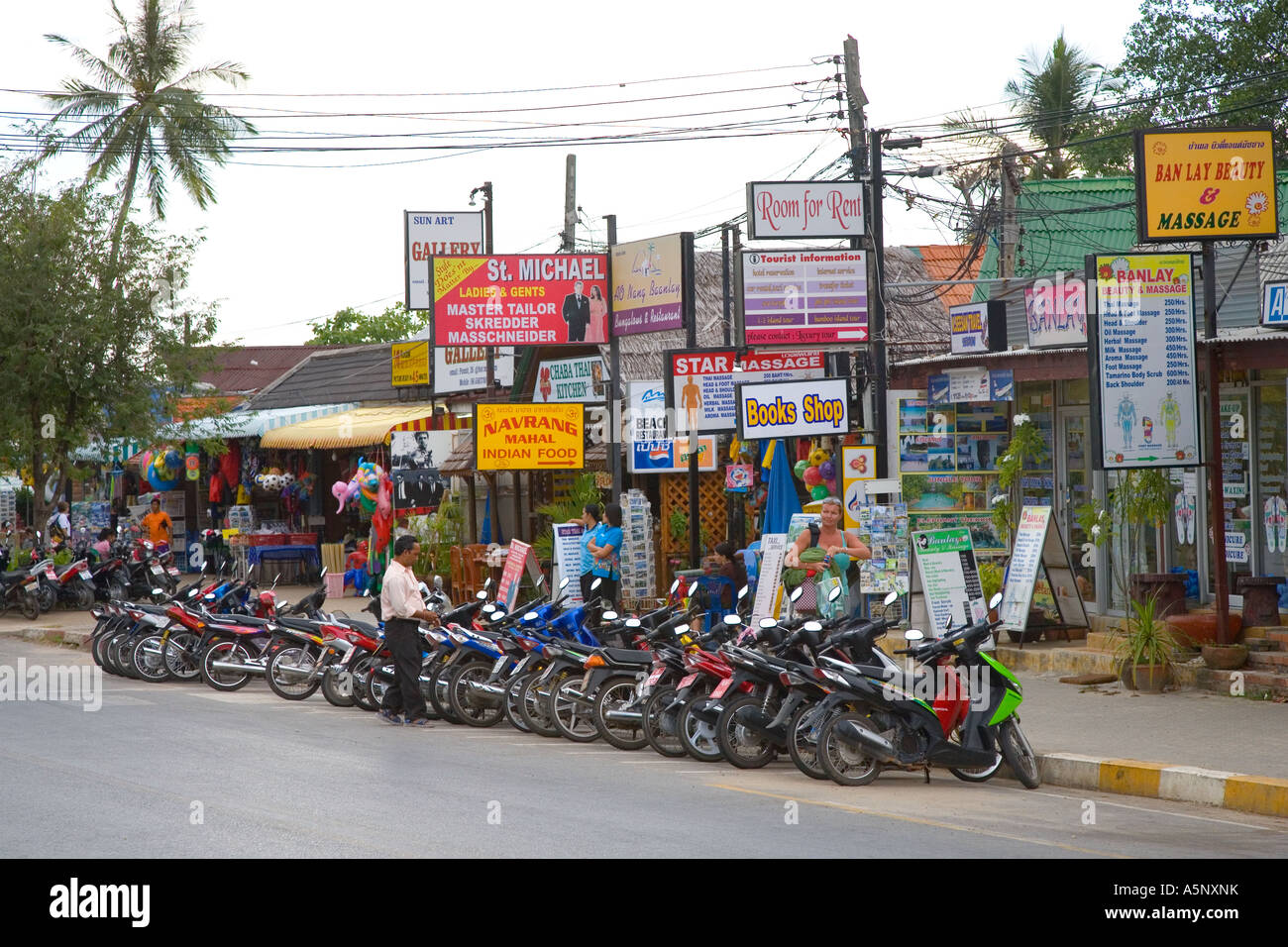 Foreign Tourist Shop Advertising Signs And Services In Ao