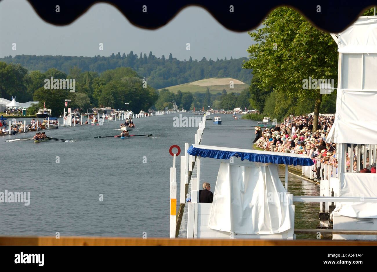 Eights racing down  the course at the Henley Royal Regatta - Stock Image