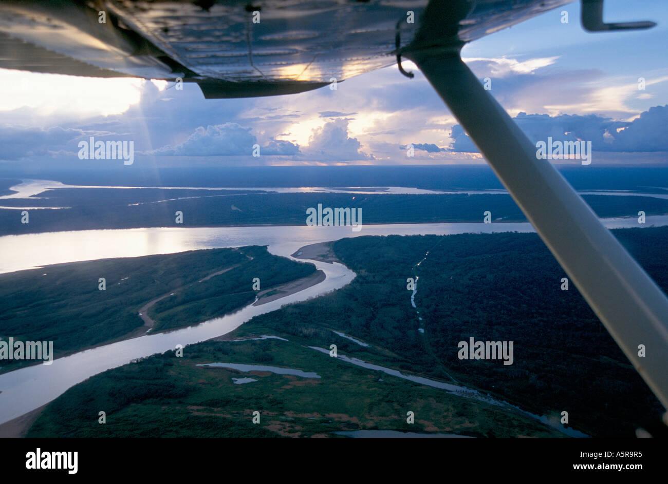 OVERFLYING THE AMAZON JUNGLE, BRAZIL.  DEC 2000 - Stock Image