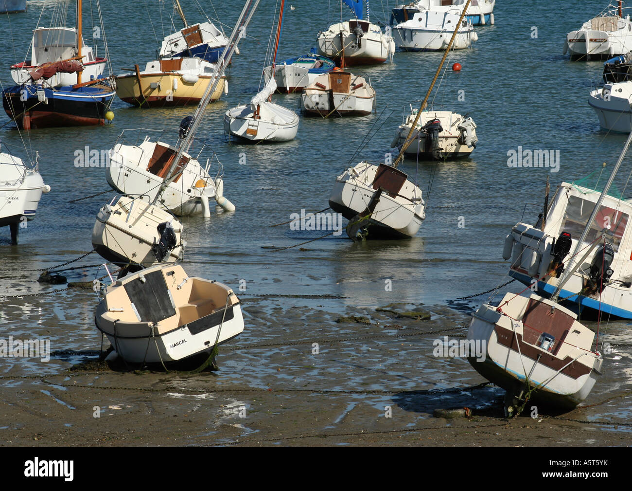 Boats at low tide - Stock Image