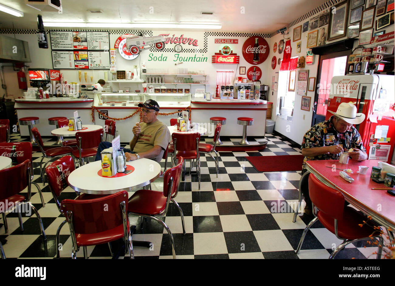 Us Williams Twisters A Diner In Fifties Style Along The