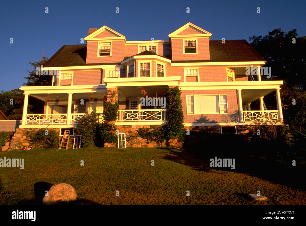 Painet Hl1916 Mansion Hill Sorrounding By Nature Grass Trees Home Big House Elegant Rich People Kennebunkport Maine