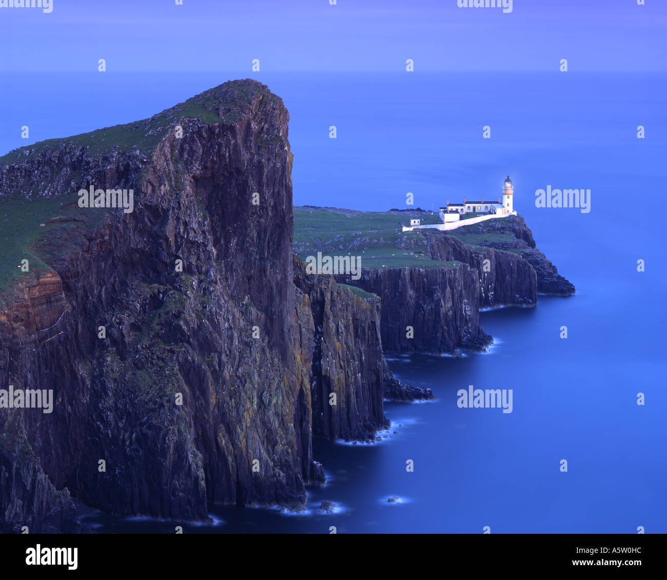GB - SCOTLAND: Neist Point Lighthouse on the Isle of Skye - Stock Image
