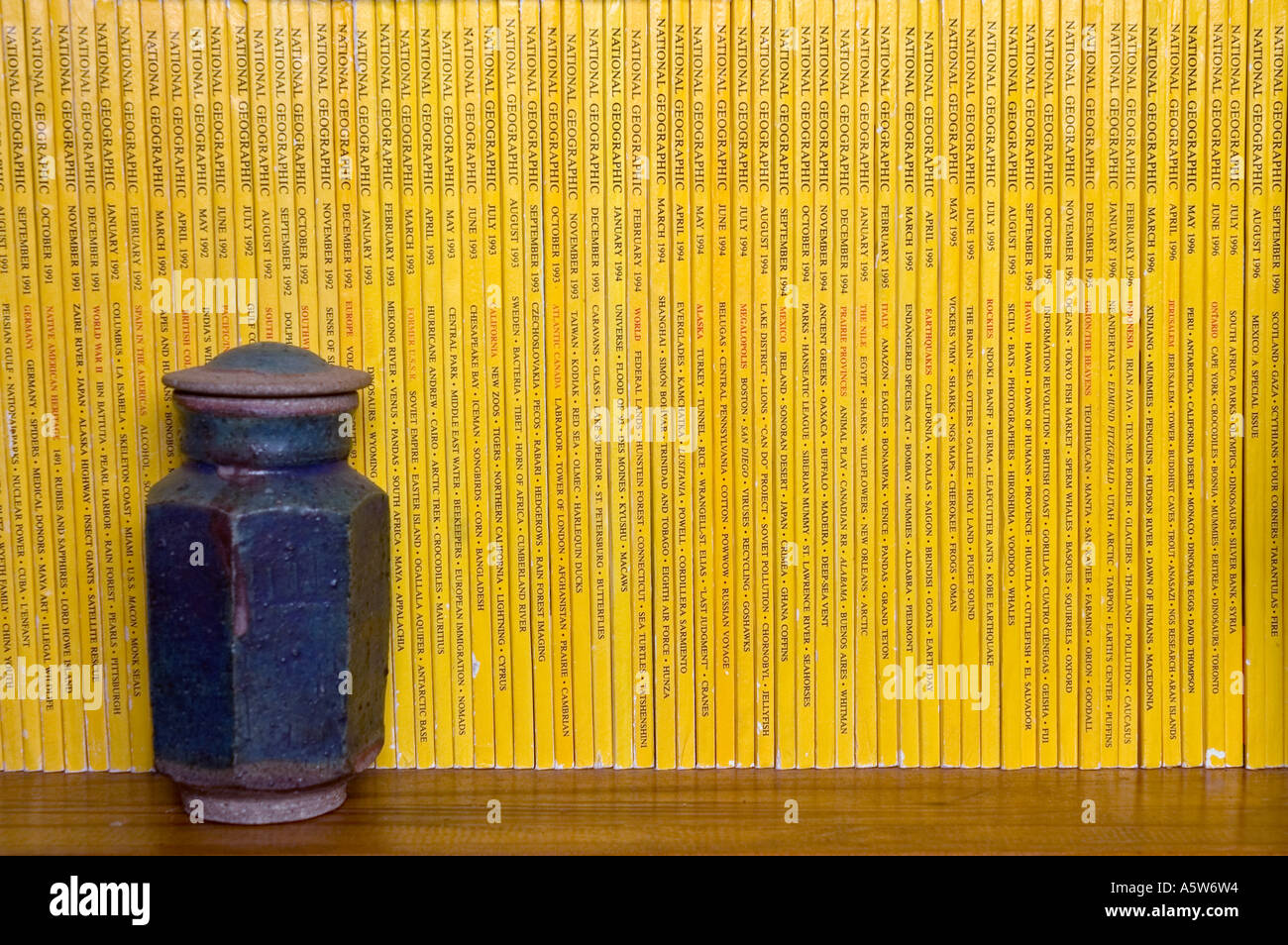 National Geographic magazines in a bookcase. Editorial use only. DSC_8519 - Stock Image