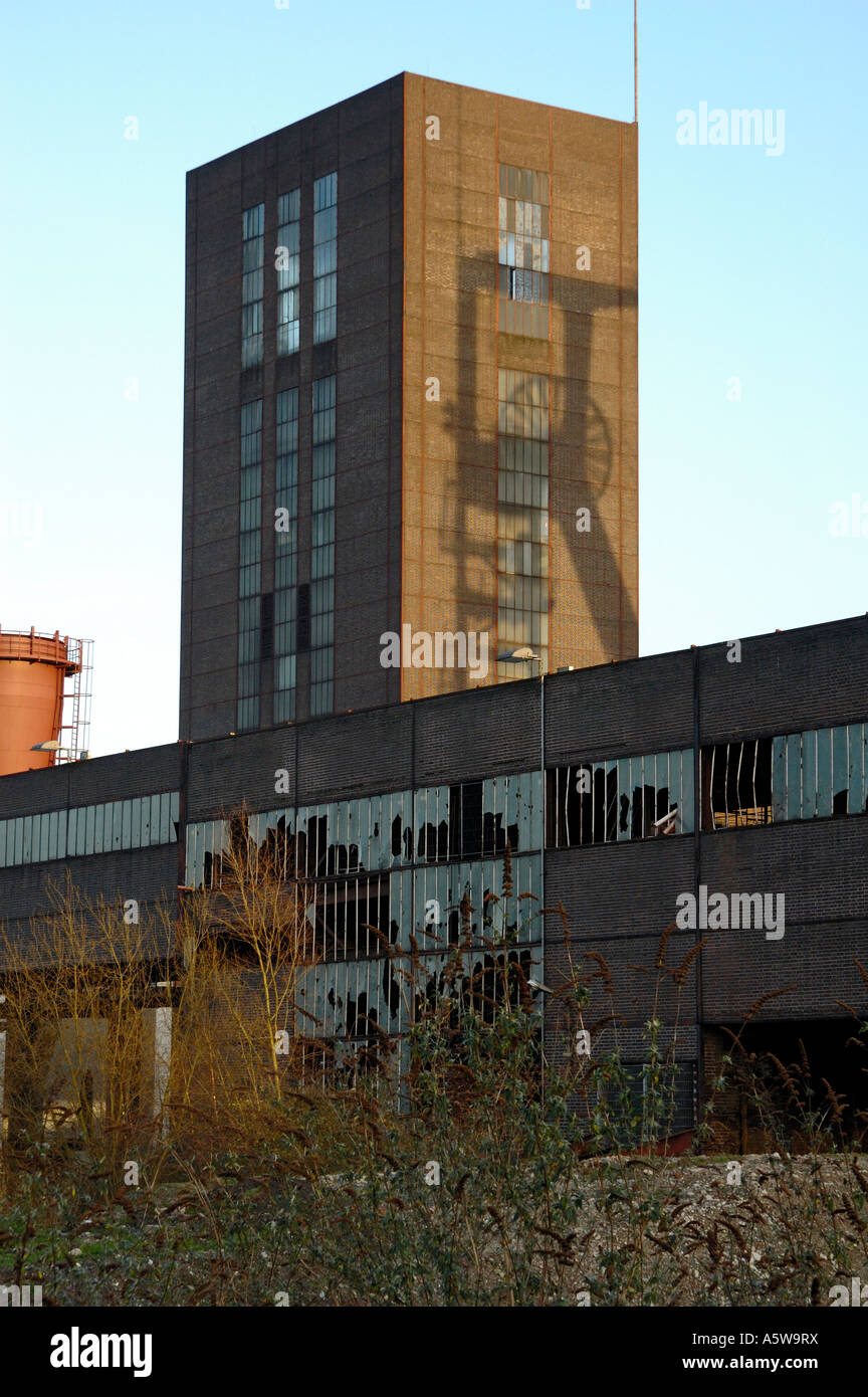 Preserved coal Mine Zollverein, Essen, Germany. Shaft 1/2/8, silhouettte of old on new tower. - Stock Image