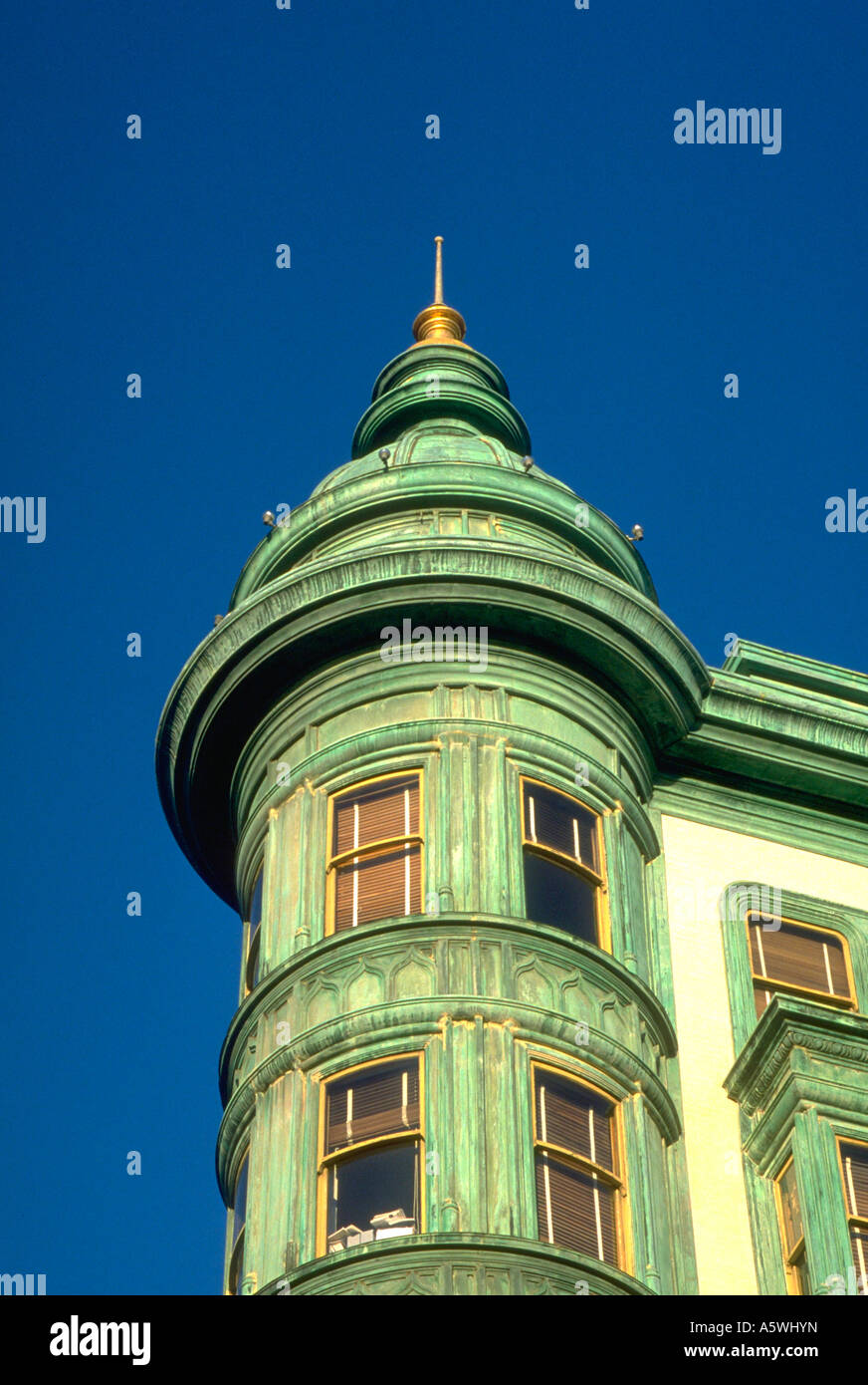 Painet hk2491 north beach turid displays finer aspects san francisco arhitecture point green vertical steep detail - Stock Image