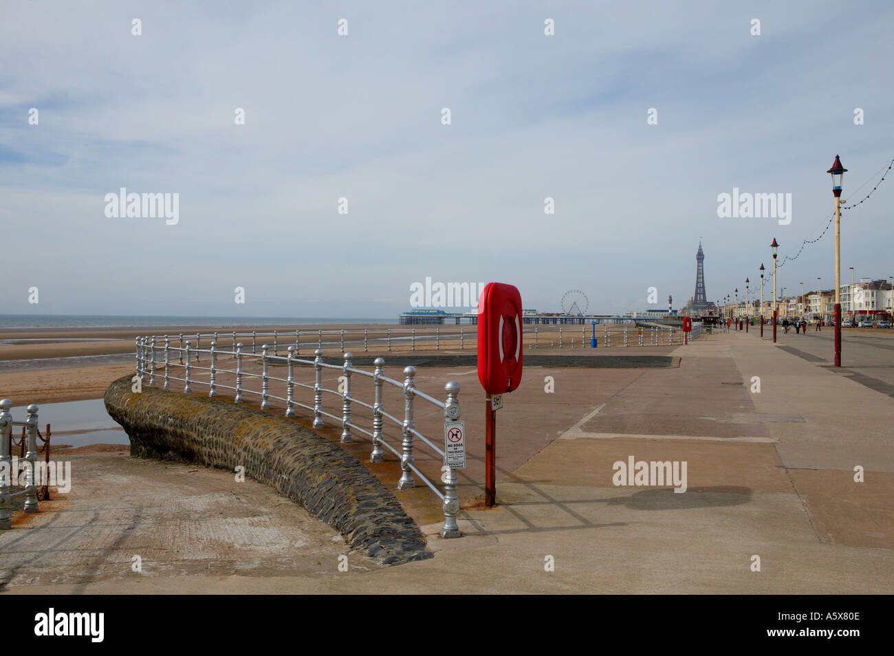 GOLDEN MILE WITH BLACKPOOL TOWER AND NORTH PIER IN BACKGROUND Stock Photo