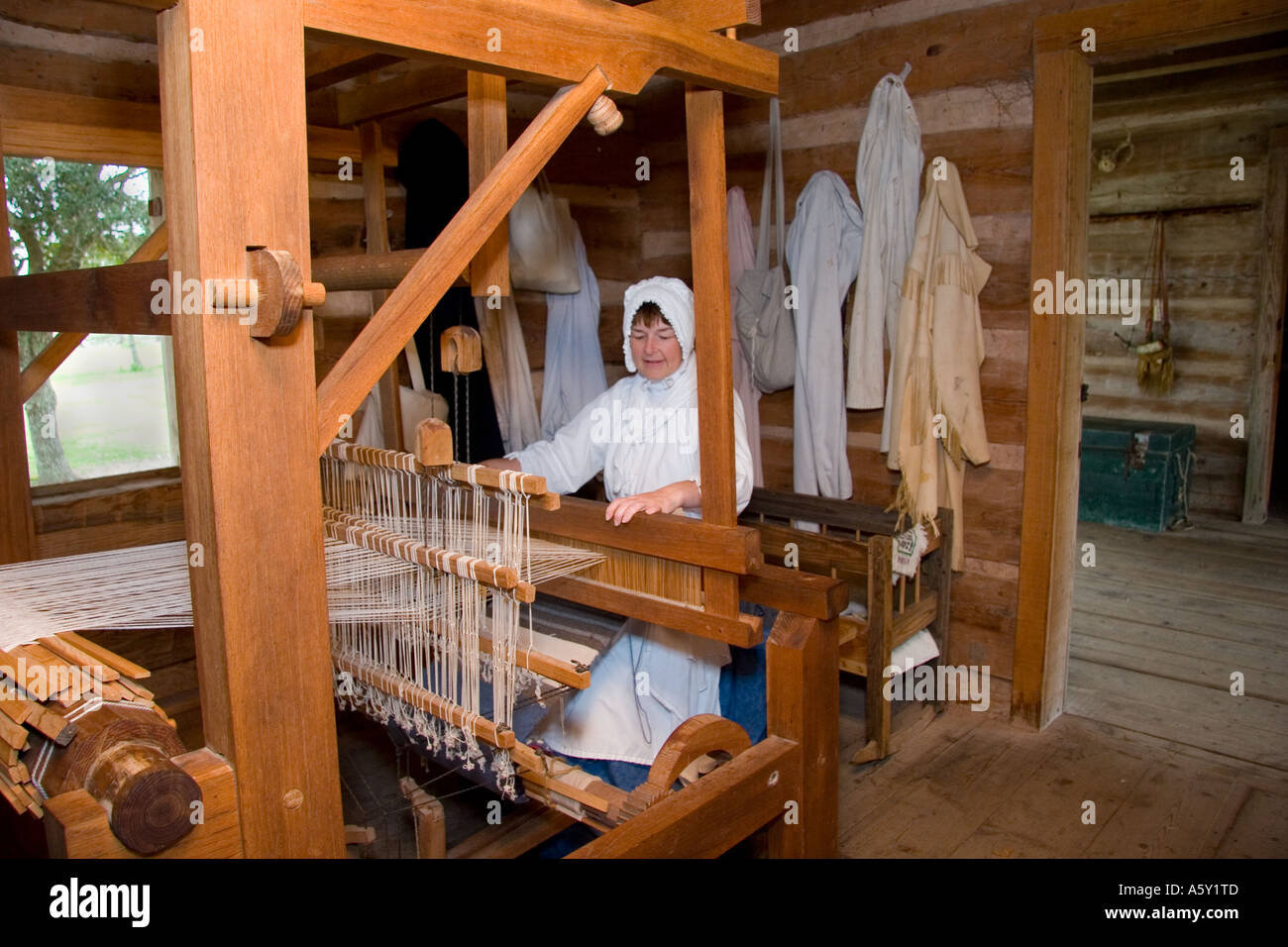Cabin Creek Clothing: Dogtrot Cabin Stock Photos & Dogtrot Cabin Stock Images