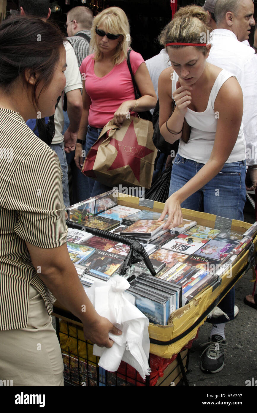 Counterfeit Dvds Stock Photos & Counterfeit Dvds Stock Images - Alamy