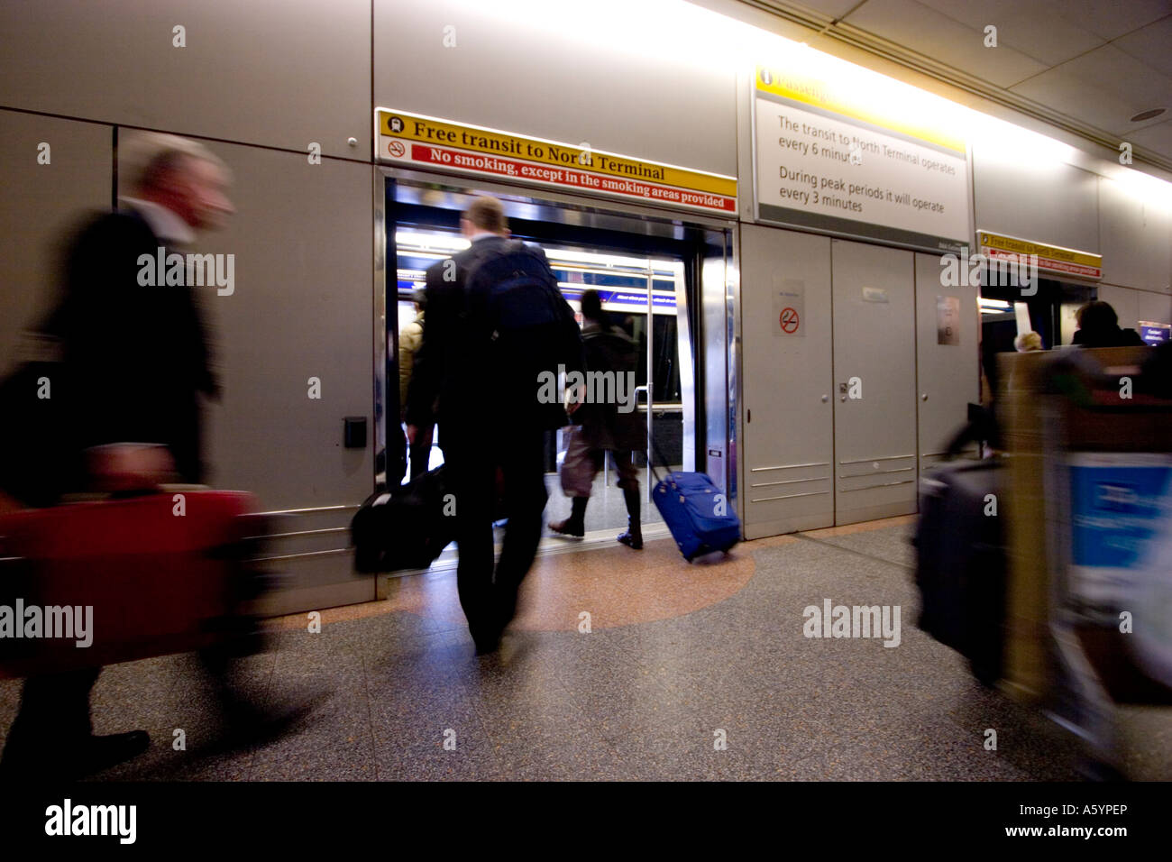 London Gatwick Airport Transit Gatwick Stock Photos London Gatwick