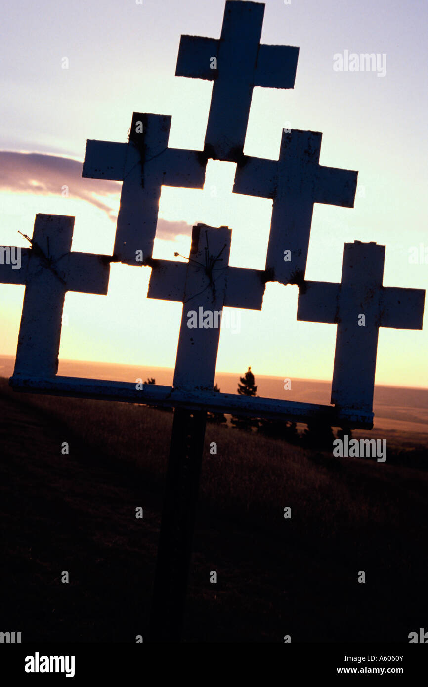 Painet hq2214 01 white crosses site drunk driving fatality mary mt st. saint religion religious adoration ceremonial - Stock Image