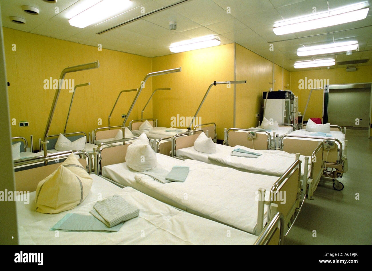 Empty beds in a hospital - Stock Image