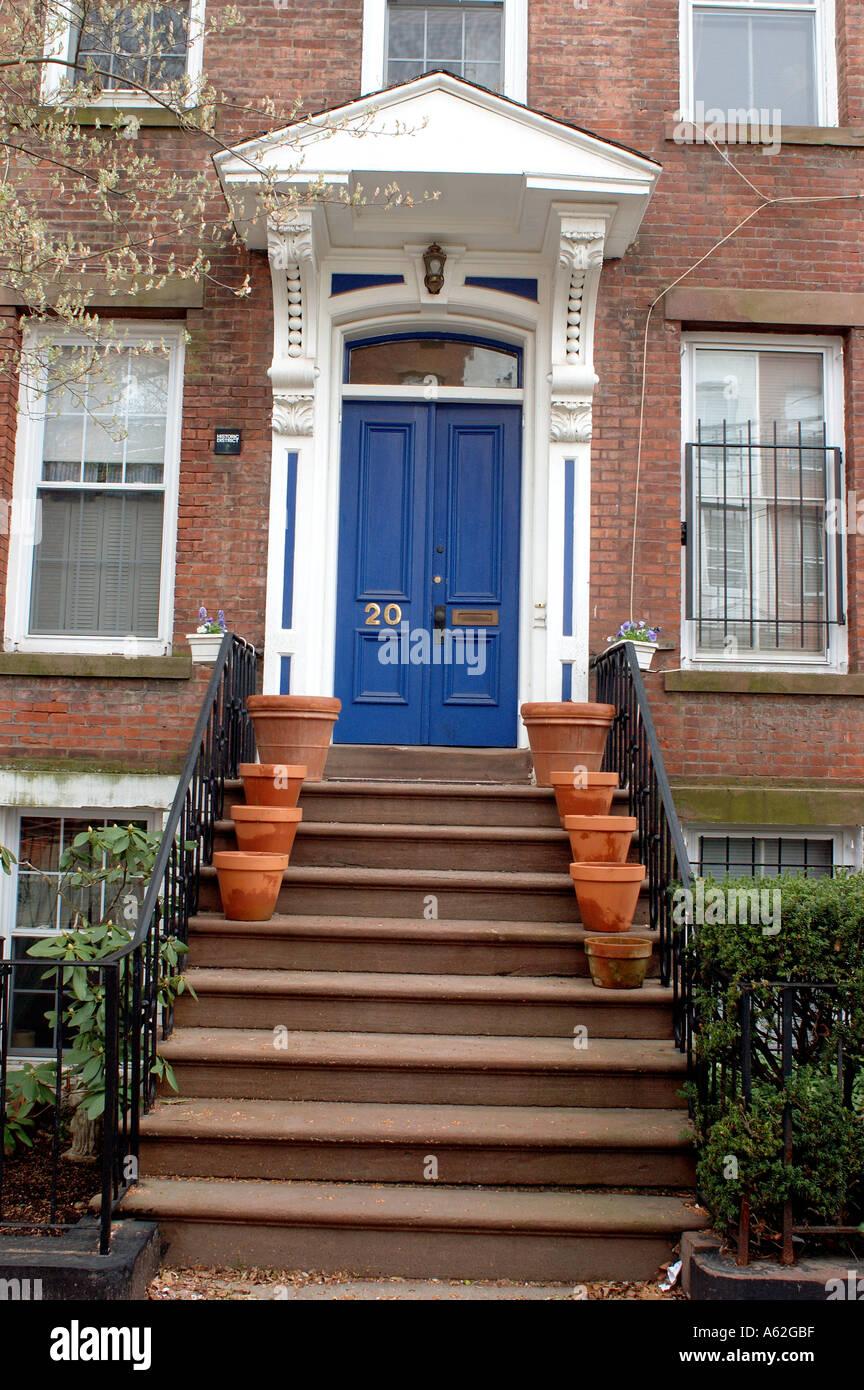 Brownstone Entrance Doors Filea Nero Wolfe Mystery Brownstone On