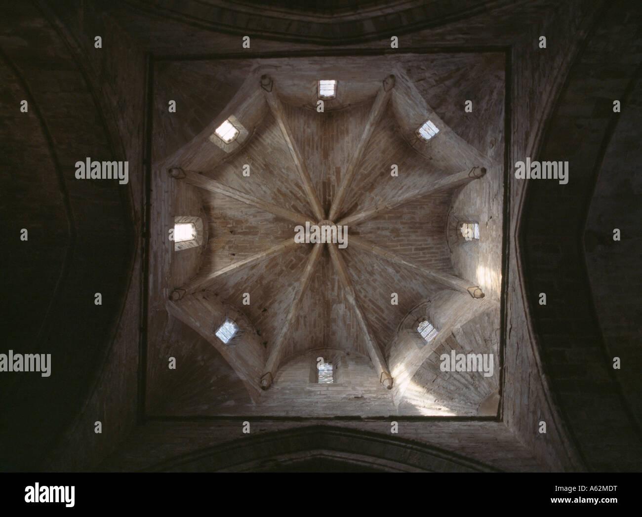 Vallbona, Klosterkirche, Blick in die Vierungskuppel - Stock Image