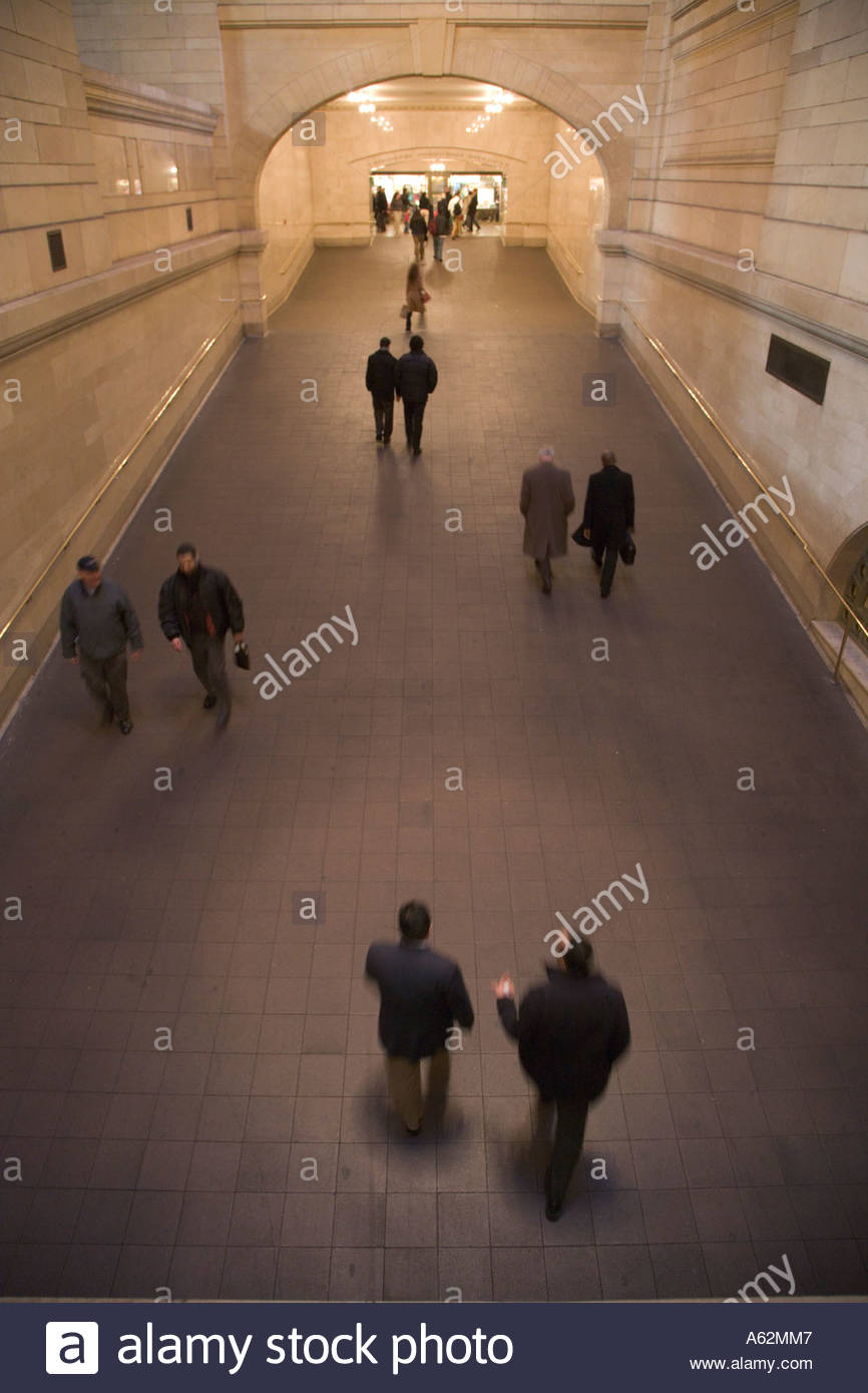 commuters walking through an large hallway in Grand Central train station New York City Stock Photo