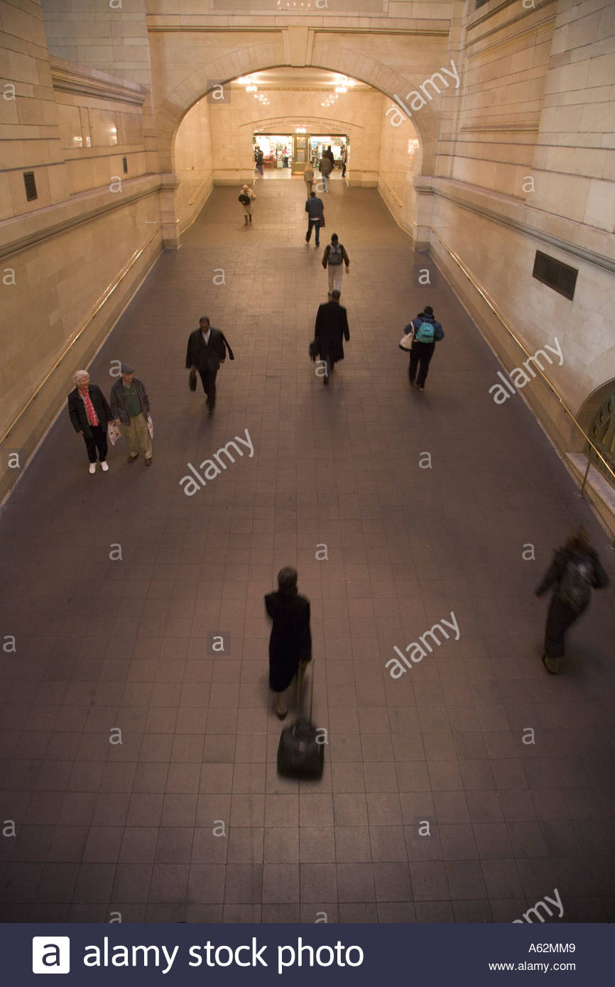 commuters walking through an large hallway Grand Central New York City Stock Photo
