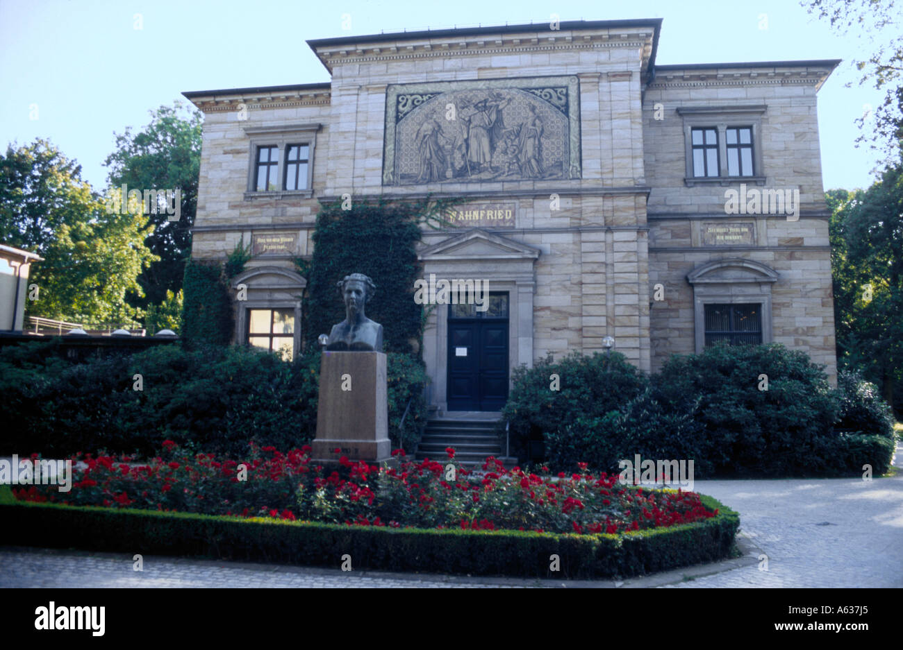Statue of Richard Wagner in front of house, House Wahnfried, Bayreuth, Upper Franconia, Bavaria, Germany Stock Photo