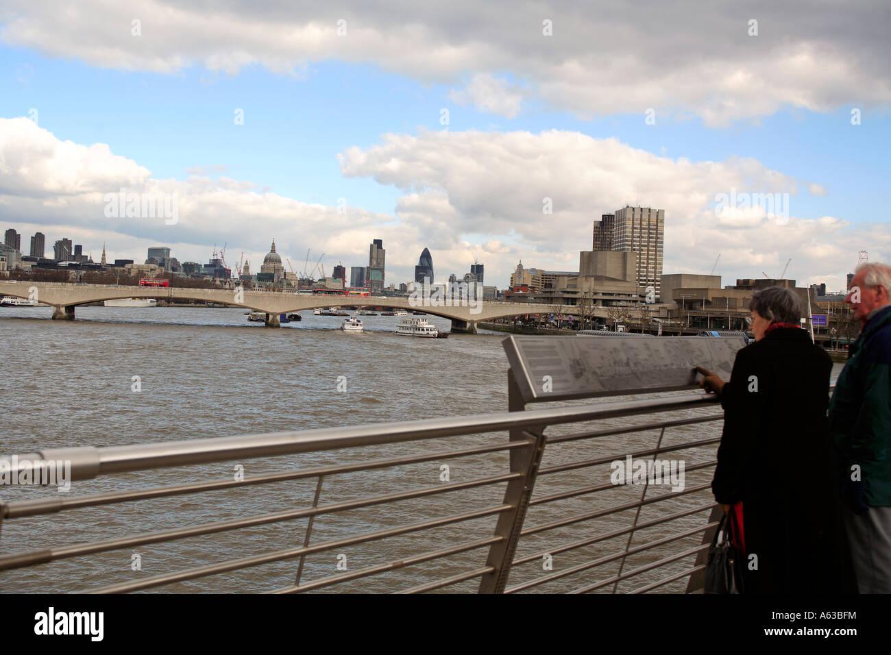 united kingdom central london view towards waterloo bridge from the jubilee pedestrian bridge - Stock Image
