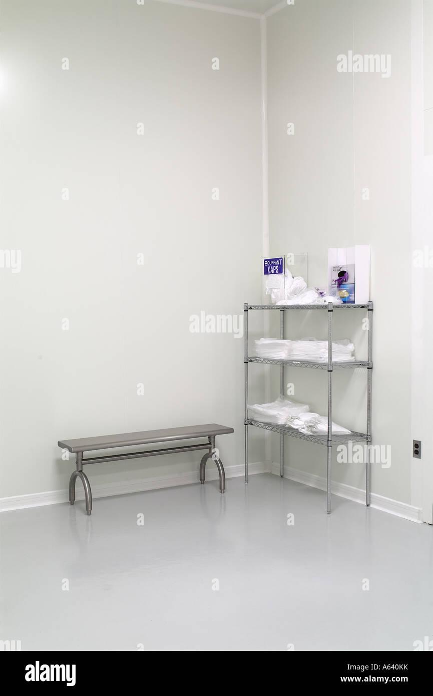 Biotech Clean Room Dressing Preparation Area, Philadelphia, USA - Stock Image
