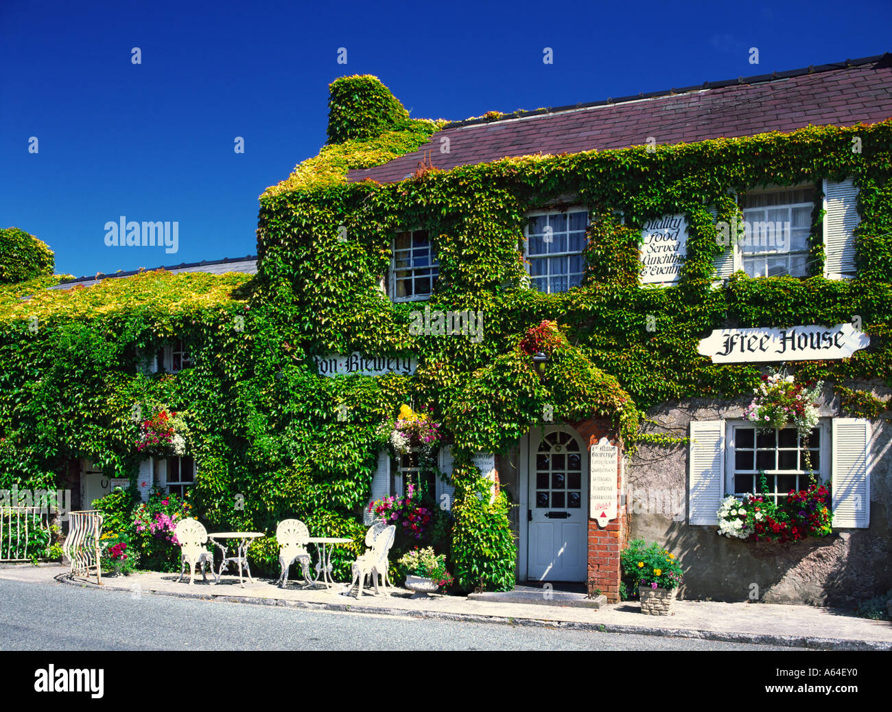 Milton Inn in Pembrokeshire, South Wales - Stock Image