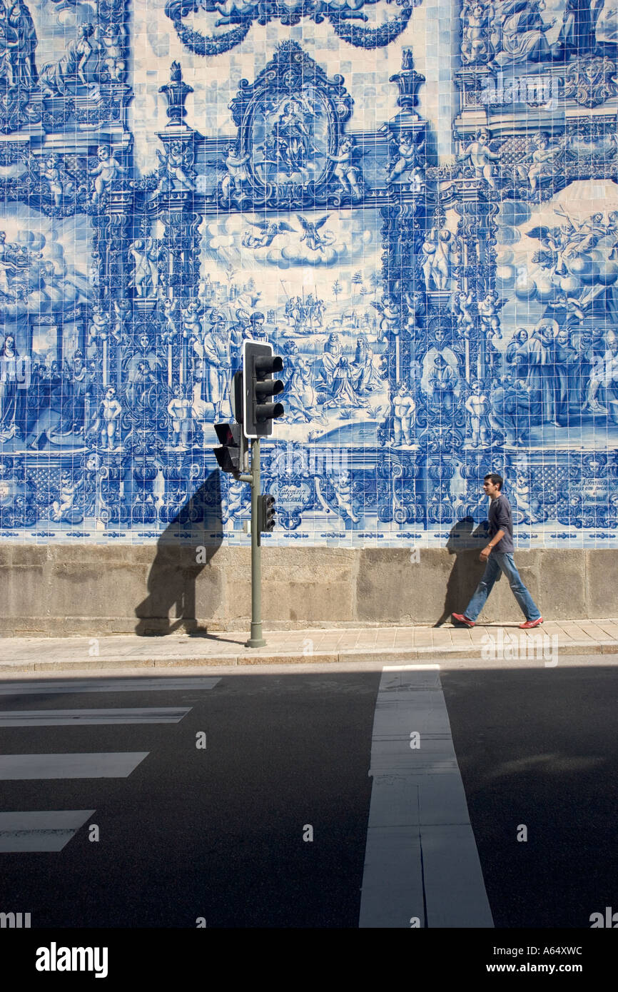 Painted Decorative Tiles on the walls of the Capela das Almas Porto ...