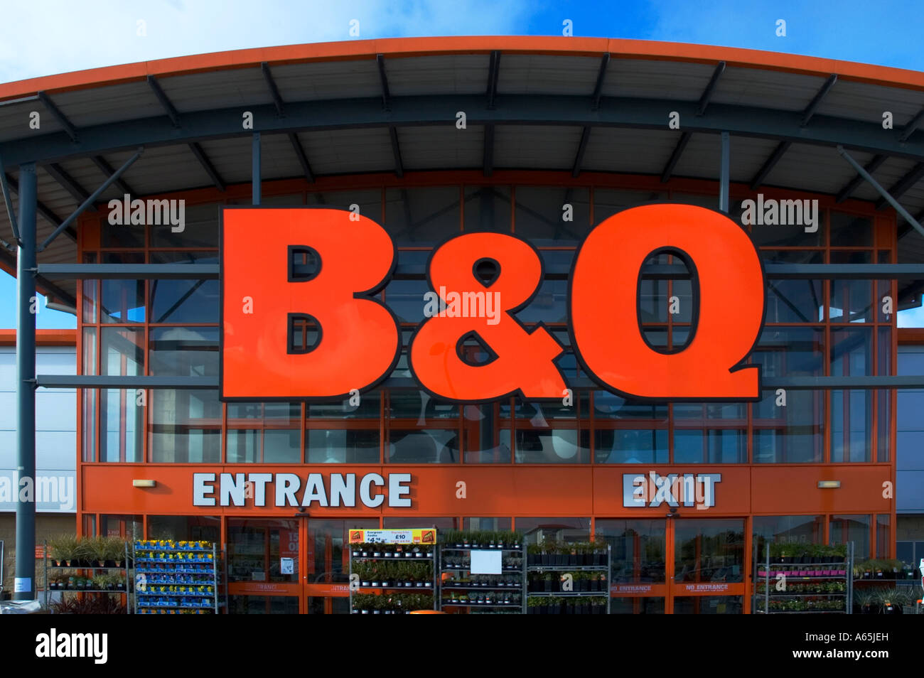 b q diy store front and sign near camborne in cornwall england stock photo 11468296 alamy. Black Bedroom Furniture Sets. Home Design Ideas