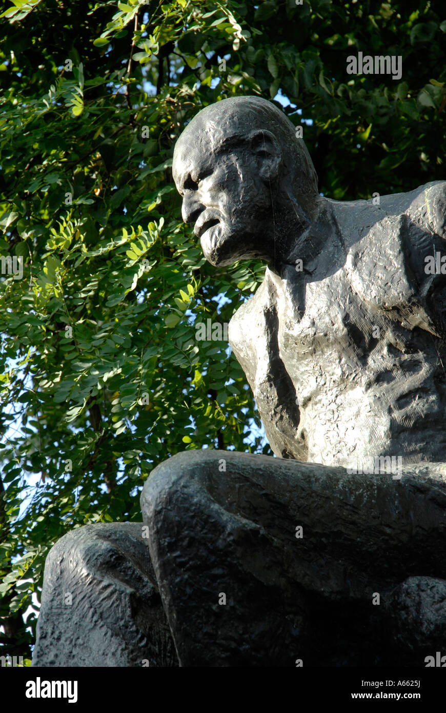 Sculpture of Sigmund Freud in Fitzjohns Avenue Hampstead London - Stock Image