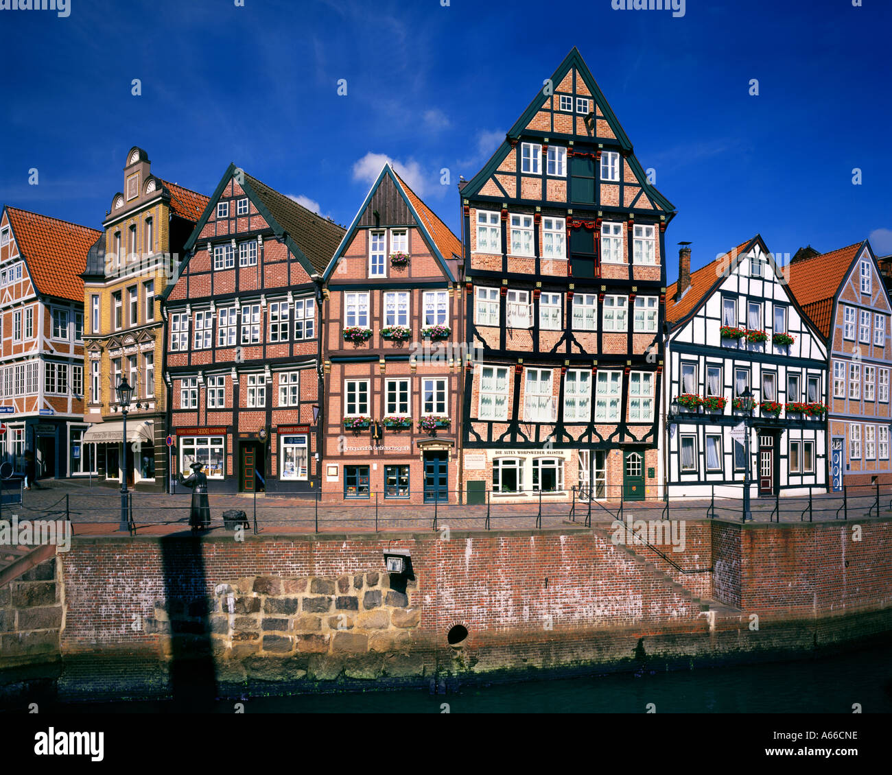 DE -  LOWER SAXONY:  Stade Town and River Schwinge in 'Altes Land' - Stock Image