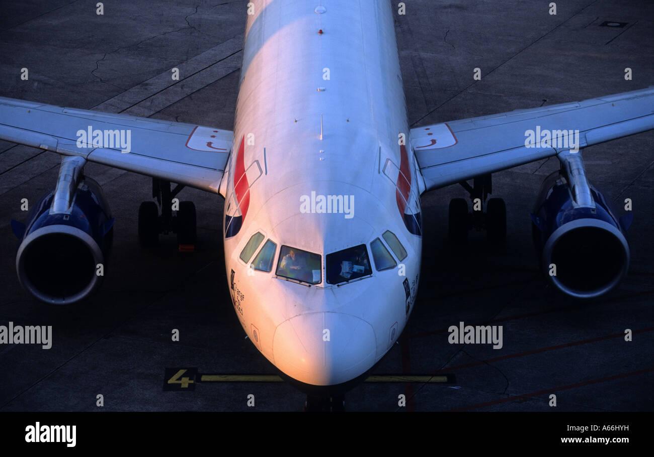 British Airways Airbus A319 at Dusseldorf International Airport, North Rhine-Westphalia, Germany. Stock Photo