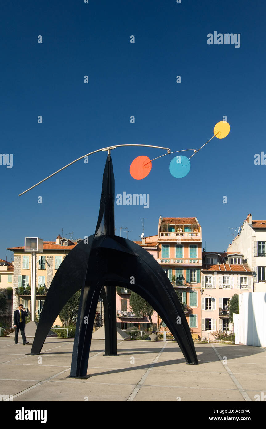 A modern sculpture, 'Stabile mobile' by Calder, in front of Museum of Modern and Contemporary Art in Nice, France - Stock Image