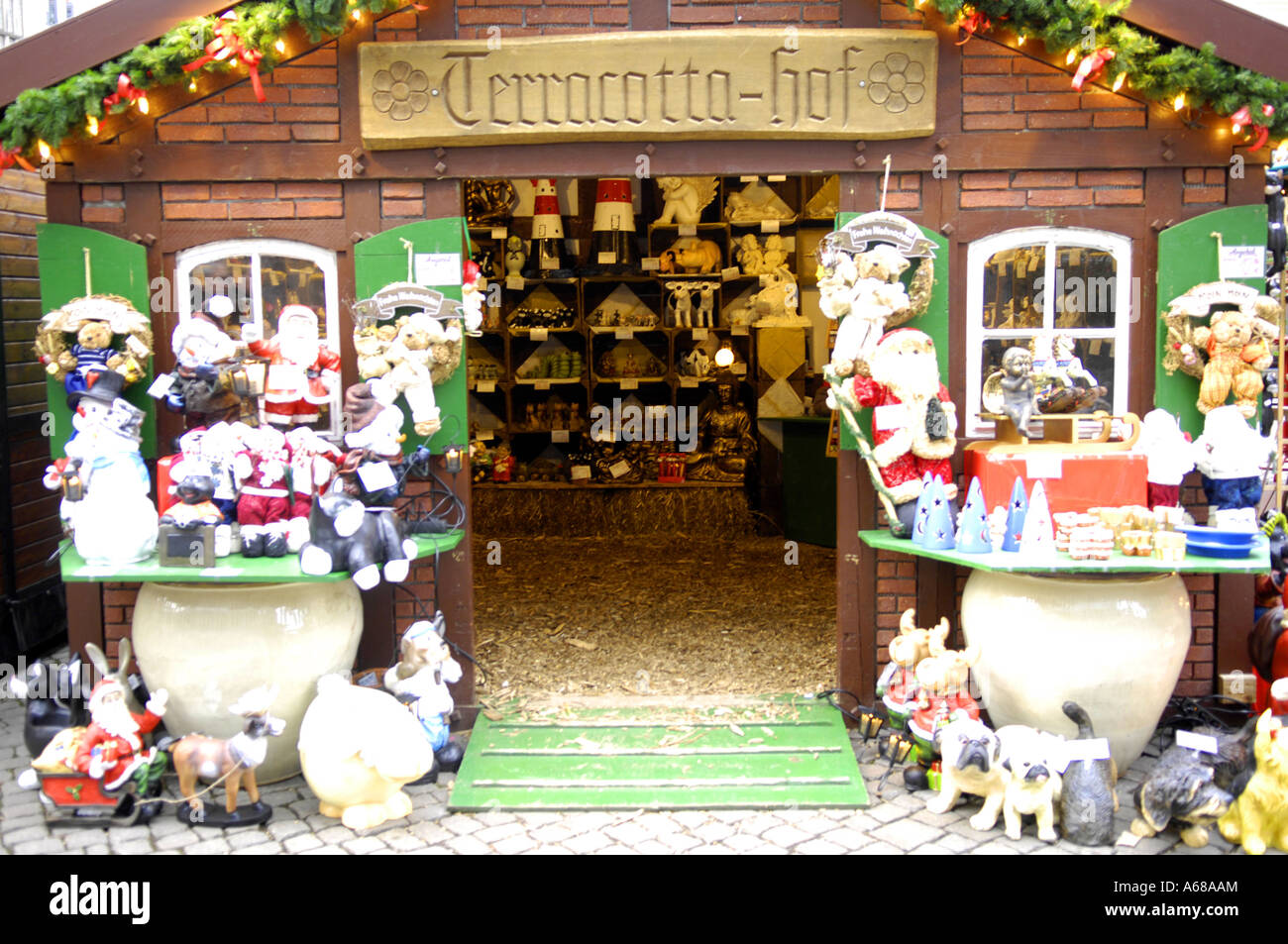 Log Cabin Souvenirs Shop Store Consumerism Frohe Weihnacht Happy Christmas Sign Red White Stalls Blue Bremen Market T