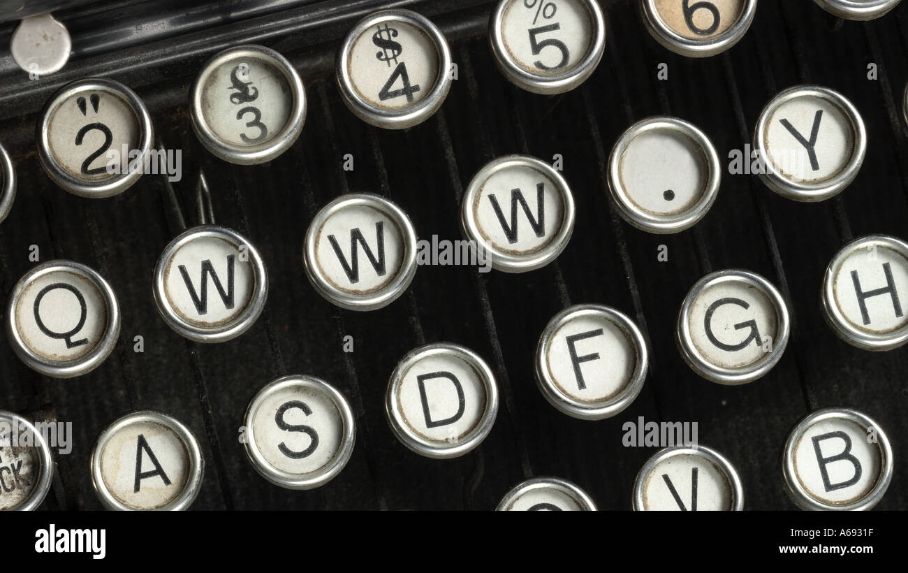 typwriter keys with WWW. replacing some of the keys - Stock Image
