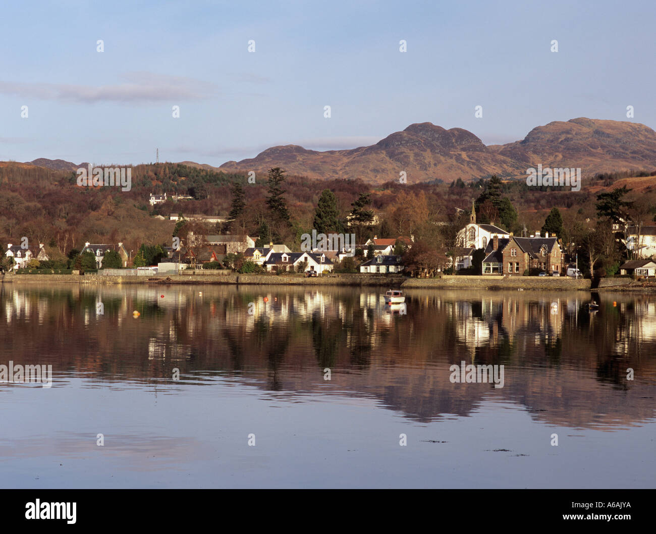 VILLAGE at head of tidal Gare Loch reflected in water  Garelochhead Argyll Bute Scotland UK - Stock Image
