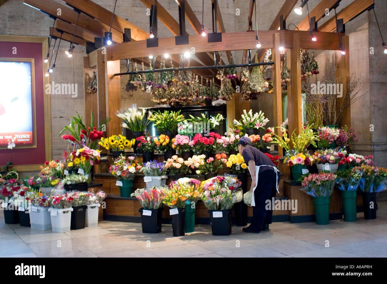 Flower stand 30th Street Station Philadelphia Pennsylvania PA USA - Stock Image
