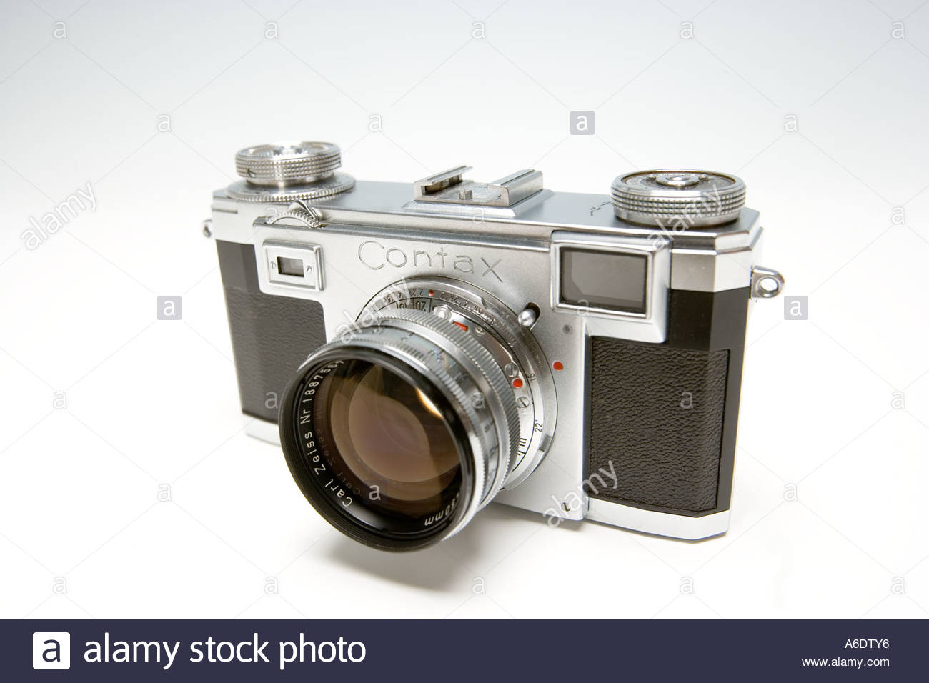 Contax II A Rangefinder Camera with Carl Zeiss Sonnar 50mm
