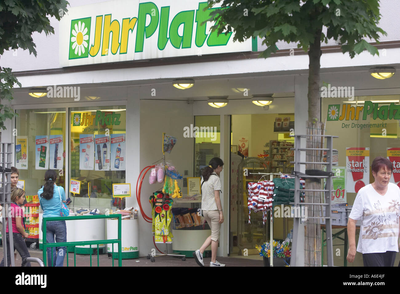 Insolvency announced 30.05.2005 Mannheim, DEU Germany fifth-largest drugstore chain Ihr Platz - Stock Image