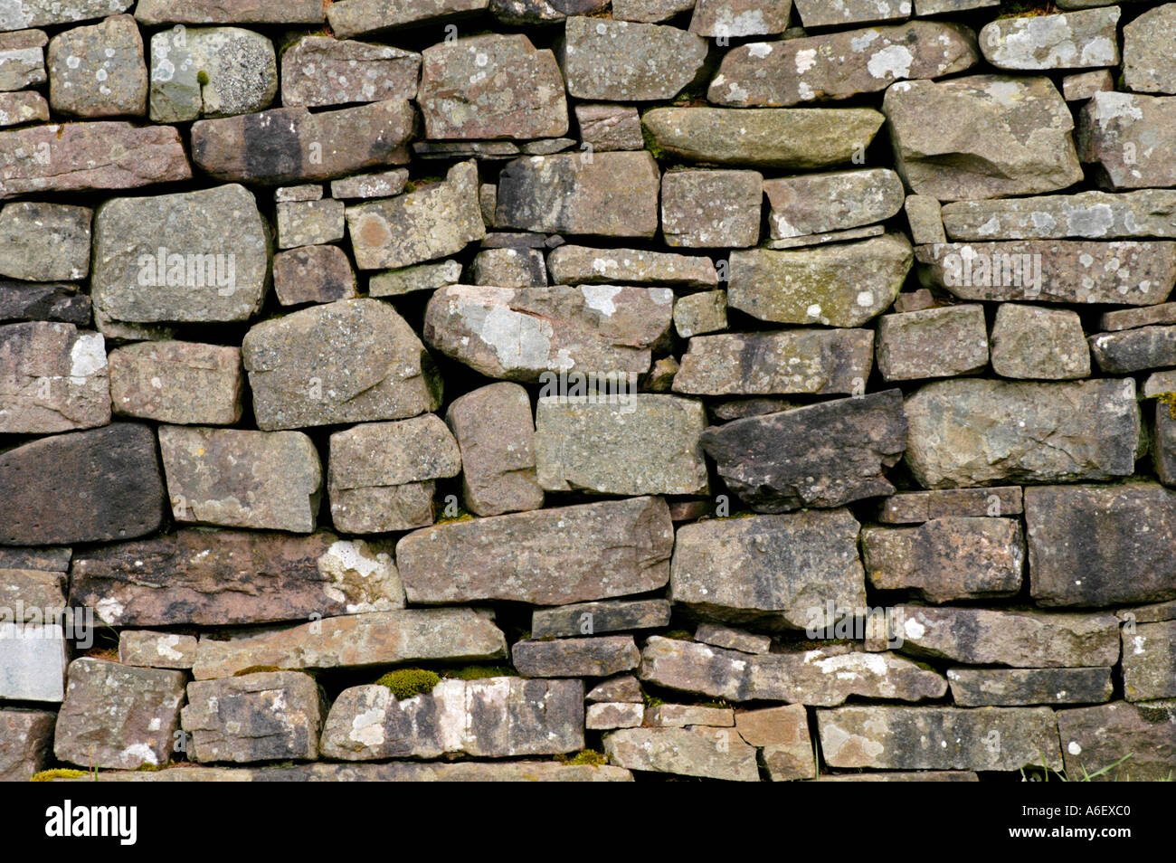 how to build a dry stone wall uk