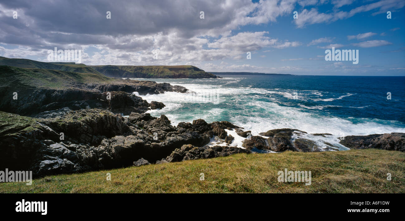 LOOKING WEST FROM MELVICH BAY PORTSKERRA TOWARDS STRATHY POINT NORTH COAST OF SCOTLAND UK - Stock Image