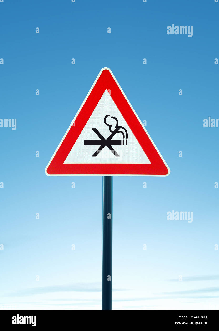 attention non smokers Achtung Nichtraucher - Stock Image